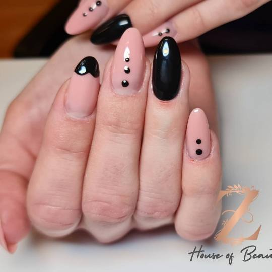 Z House of Beauty #zagreb Nadogradnja noktiju Ugradnja noktiju Nokti
